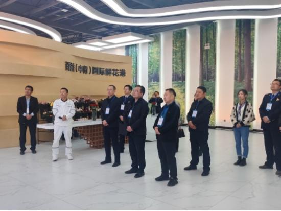 临夏州税务局和青海省海东市税务局深入临夏百益现代农业科技有限责任公司调研