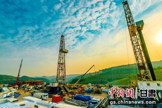 """""""十三五""""期间新增探明地质储量2.31亿吨,产量净增90万吨。"""