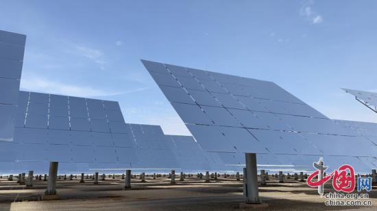 百兆瓦级熔盐塔式光热电站项目采用的定日镜