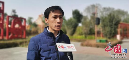 嘉峪关方特丝路神画主题公园副总经理张恒接受采访