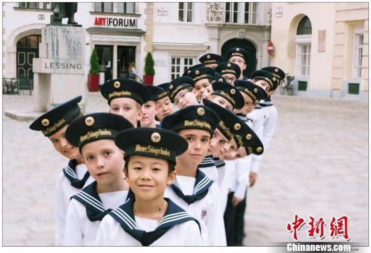 图为维也纳童声合唱剧照。 甘肃大剧院供图