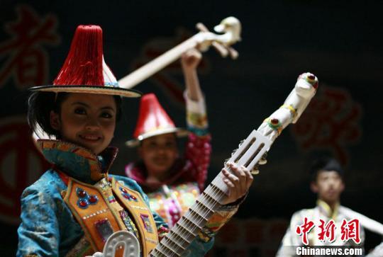 甘肃裕固族传统乐器天鹅琴 华夏文明传承创新区 绚丽甘肃图集
