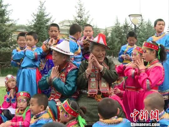 甘肃成立研究学会抢救保护裕固族文化