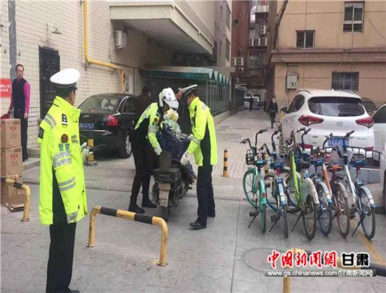 城关交警大队开展非机动车违法专项治理