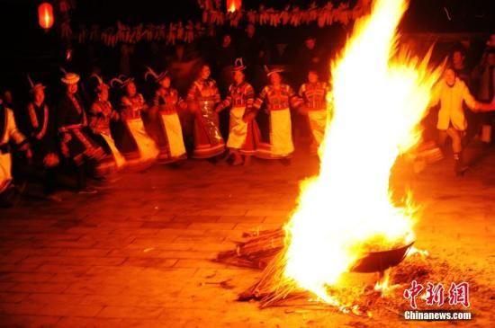 东亚古老部族白马人如何迎新春?传统习俗古朴新呈现